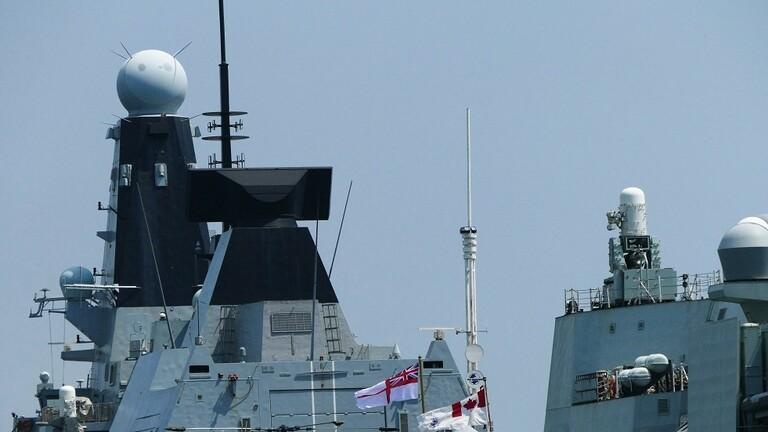 المدمرة البريطانية (إتش إم إس ديفيندر- HMS Defender)
