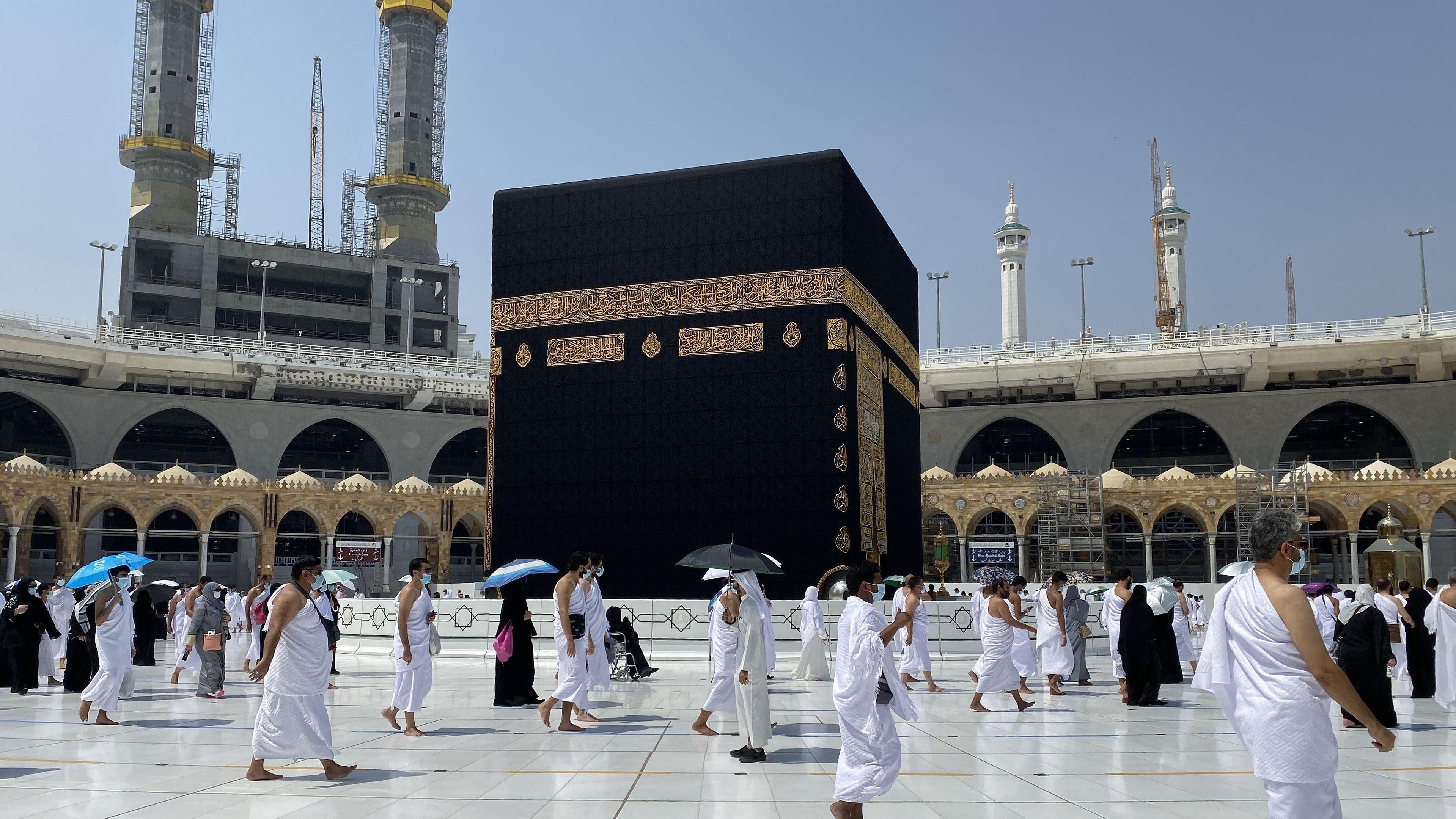 السعودية نيوز |  السعودية: رفع الطاقة الاستيعابية للعمرة إلى مليونين شهريًا