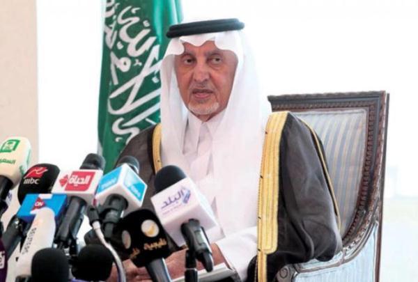الأمير خالد الفيصل أمير مكة المكرمة خلال المؤتمر الصحافي