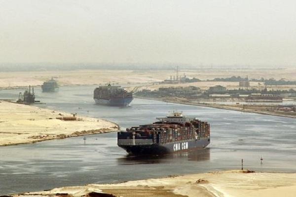 تأهب في مصر لتأمين مجرى قناة السويس