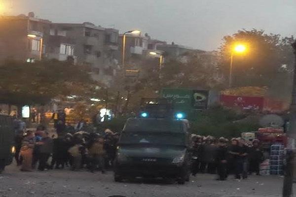 صورة نشرتها صفحة طلاب ضد الإنقلاب للمواجهات مع الشرطة بجامعة الأزهر