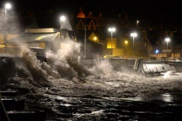 من آثار العواصف الاخيرة في لبنان