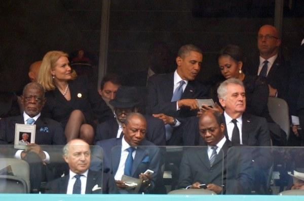 أوباما يحادث زوجته فهل يسلم من العقاب؟