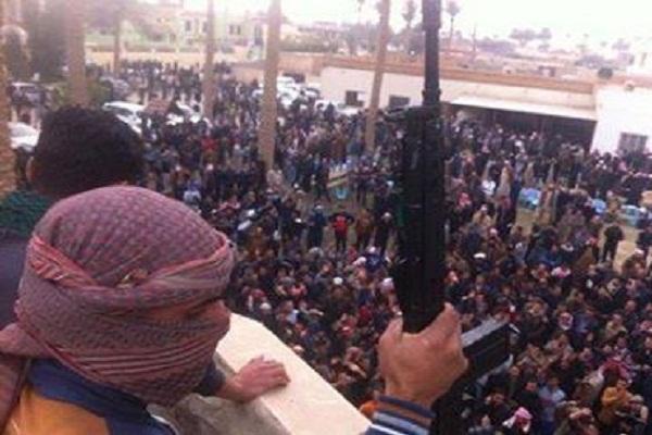 تظاهرة مسلحة قرب منزل النائب العلواني في الرمادي