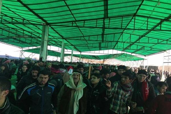 محتجون في ساحة الاعتصام في الرمادي
