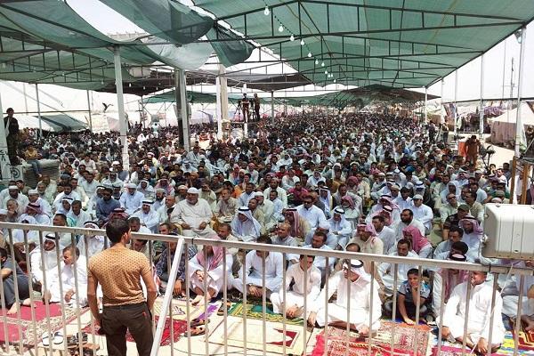 محتجو الانبار في صلاة الجمعة