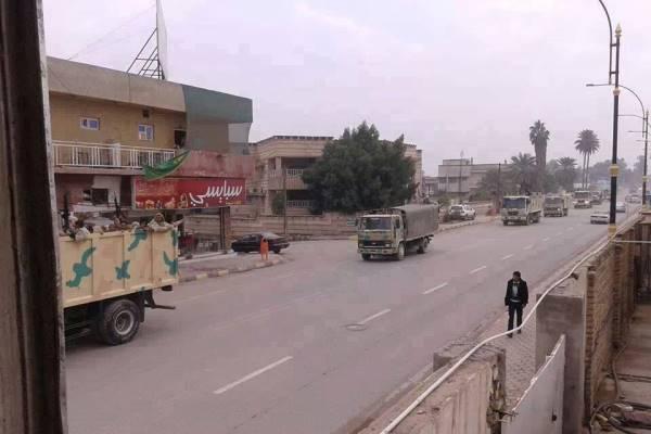 عجلات عسكرية للجيش العراقي تدخل الرمادي