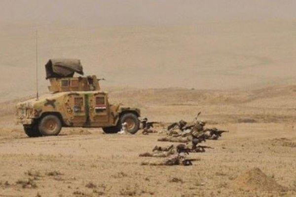 قوات عراقية تنفذ عملياتها العسكرية بصحراء الأنبار