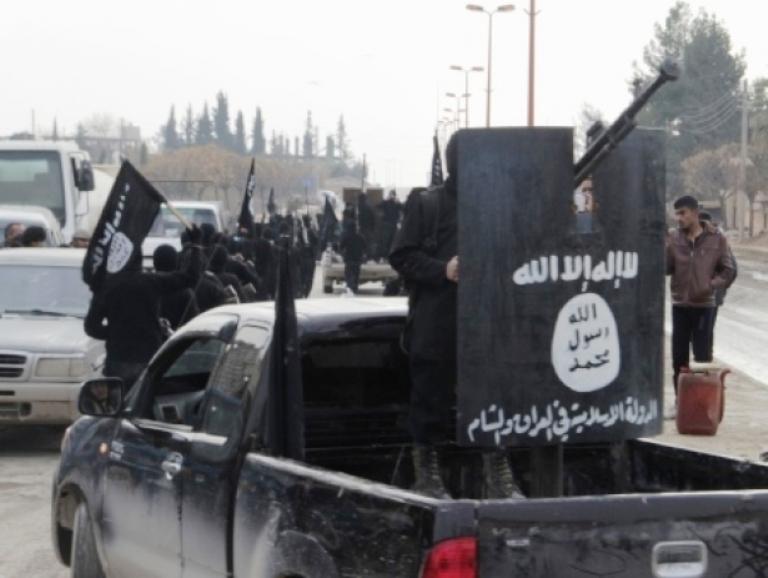 مقاتلون من (داعش) في ريف حلب