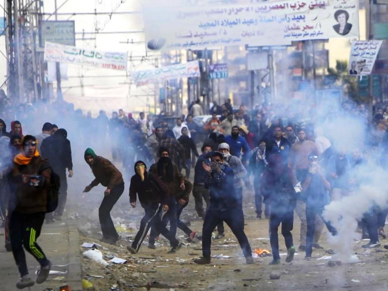 جانب من المواجهات بين أنصار مرسي والشرطة المصرية