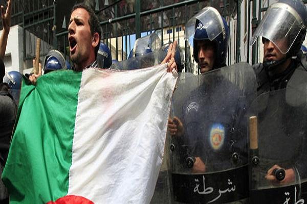 الجزائريون ينشدون التغيير الحقيقي
