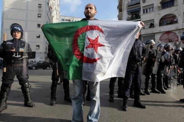تشاؤم من أي تحول قريب لدى الجزائريين