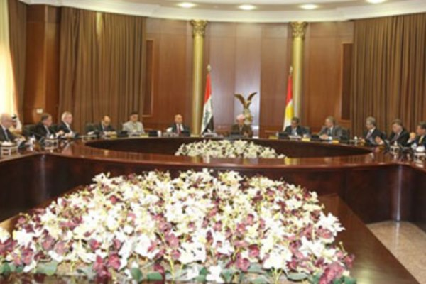 بارزاني مجتمعًا مع ممثلي الدول الأجنبية في اقليم كردستان