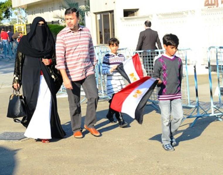 عائلة مصرية مقيمة في الامارات تتجه إلى الاقتراع