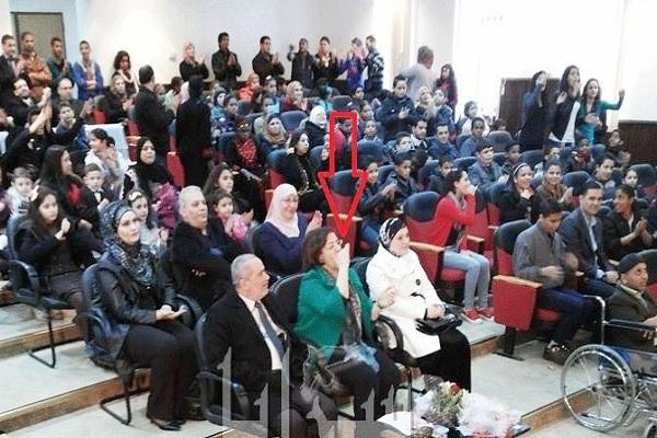 السهم يشير الى الوزيرة ريم أبو حسان وهي تزغرد