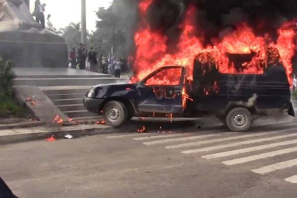 حرق سيارات الشرطة جزء من مخطط إخواني لاسقاط الداخلية