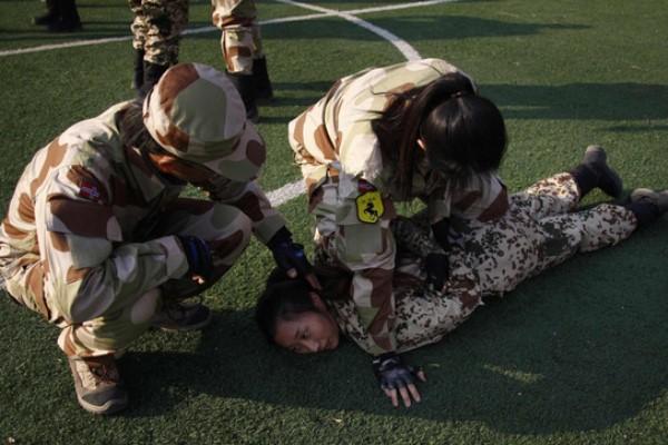 الحارسات الشخصيات في الصين يخضعن لتدريب