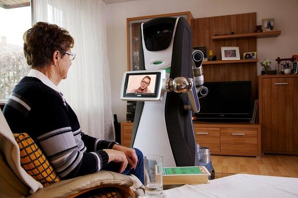 الروبوت يمكن ان يستخدم للتسلية بعد انهاء مهماته