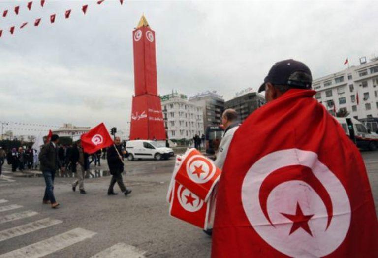الدستور التونسي الجديد يوشك أن يرى النور بعد توافق السياسيين على النقاط محل الخلاف
