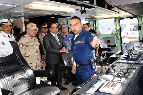 مصر تقول إنها لن تسمح بتهديد الملاحة في مضيق باب المندب