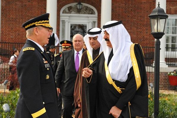 وزير الحرس الوطني السعودي لدى زيارة قيادة الحرس الوطني الأميركي