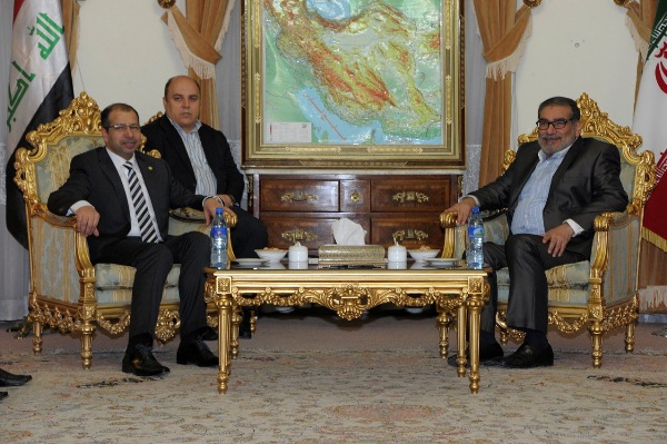 الجبوري خلال اجتماعه في طهران مع شمخاني