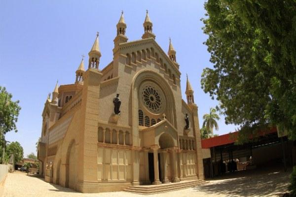 الكاتدرائية الكاثوليكية سانت ماثيو قرب العاصمة السودانية الخرطوم