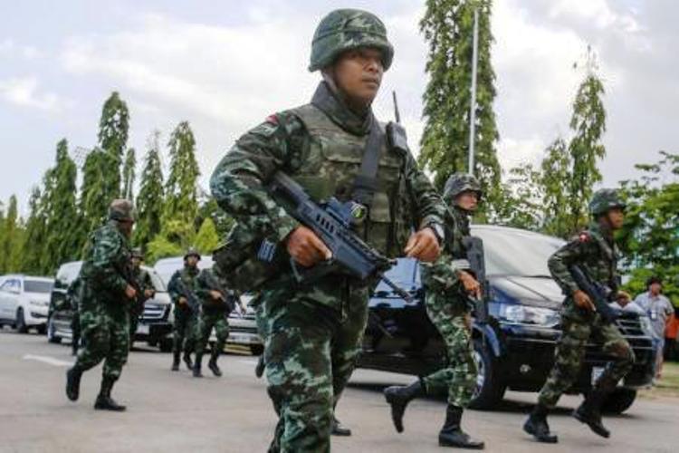 عناصر من الجيش التايلاندي ينتشرون في العاصمة بانكوك