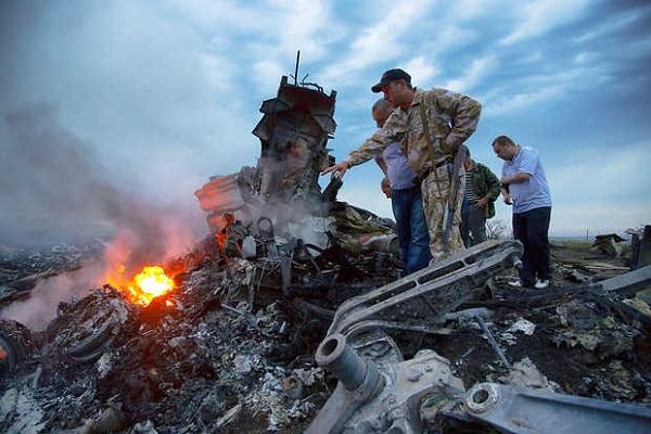 حادثة الطائرة الماليزية دفعت شركات الطيران إلى اعادة النظر بتحليقها فوق أوكرانيا