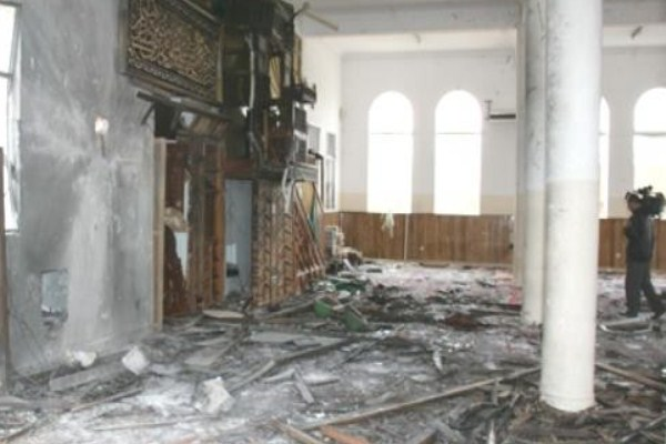 مسجد في الزبير في محافظة البصرة لدى تفجيره