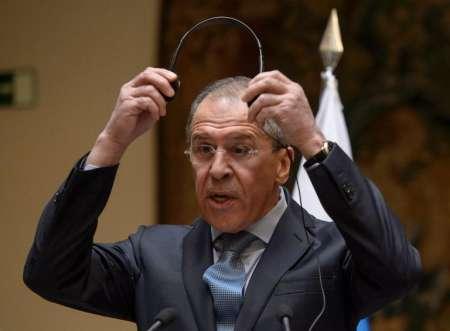 """لافروف يتهم واشنطن بمحاولة """"عزل"""" روسيا"""