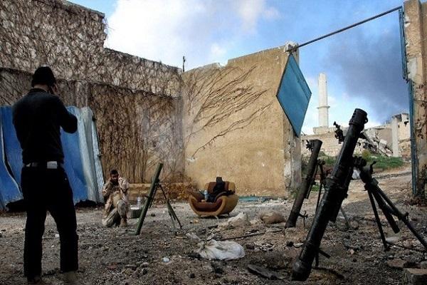 مسلحون يستخدمون مدافع الهاون في سوريا