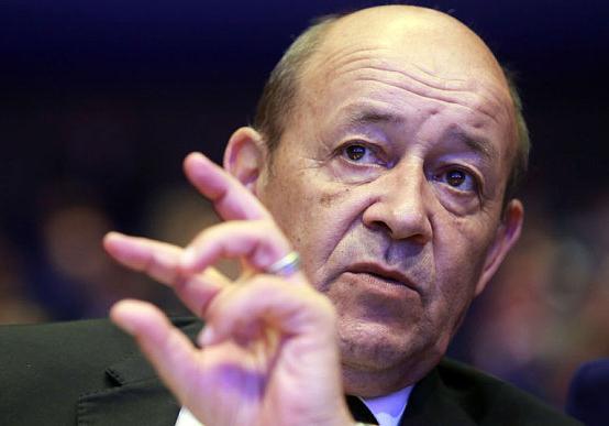 وزير الدفاع الفرنسي جان ايف لودريان