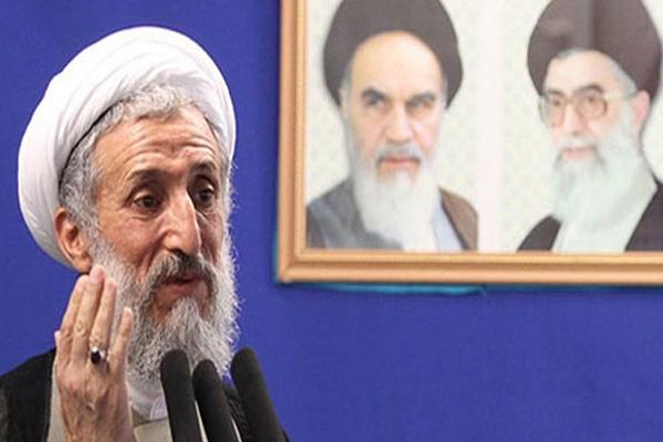 خطيب جمعة طهران يهاجم مملكة البحرين