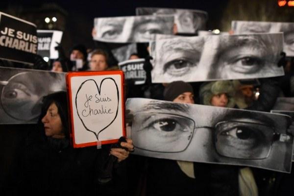 تظاهرات متضامنة مع شارلي إيبدو