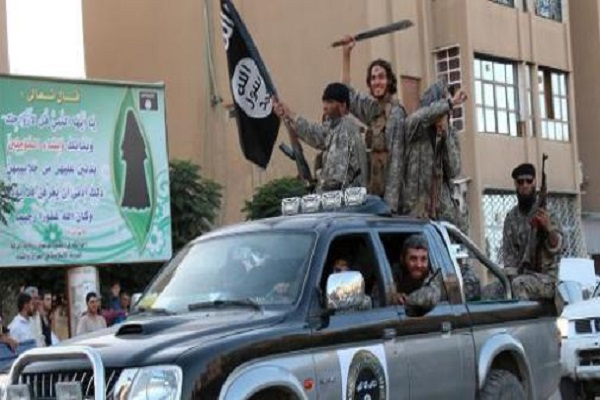 مقاتلون من داعش في الرقة السورية