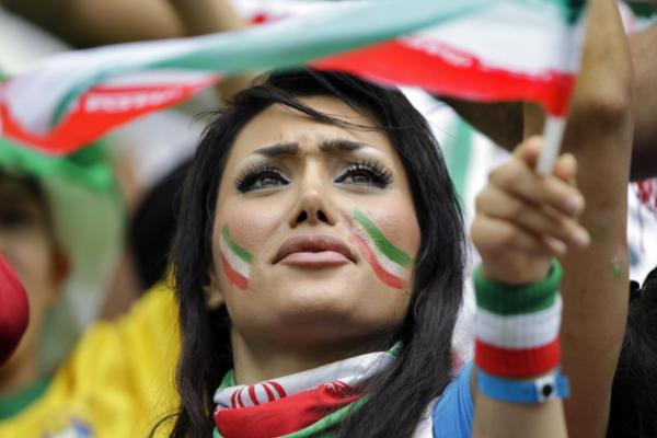 مشجعة إيرانية
