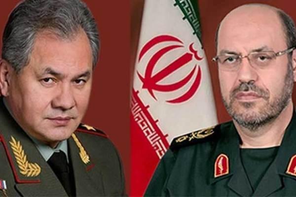 صورة مجمعة لوزيري الدفاع الايراني والروسي ـ فارس