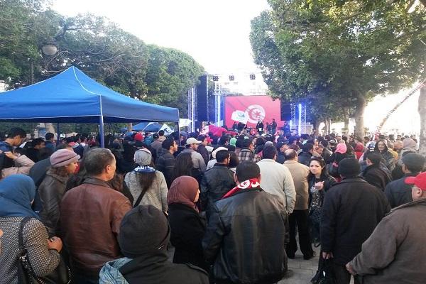 شهد شارع بورقيبة في قلب العاصمة تونس احتفالات إحياء لذكرى الثورة
