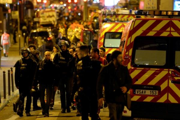 فرنسا تطلب من فايسبوك وتويتر منع نشر صورة عن القتلى