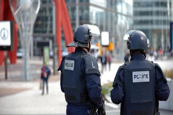 """فرنسا تحذر من هجمات """"إرهابية"""" كيميائية أو بيولوجية"""