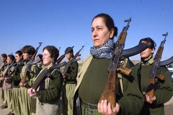 حوالى 40% من المقاتلين الأكراد في كوباني هم من الإناث