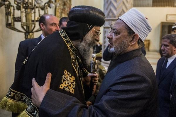 الشيخ أحمد الطيب يقدم تعازيه للبابا تواضرس