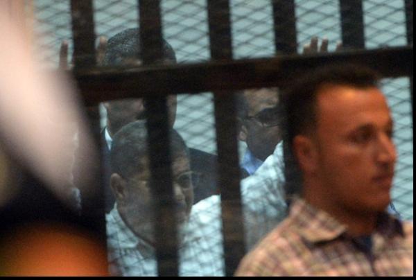 الرئيس المصري المعزول محمد مرسي في المحكمة الأسبوع الماضي-أ.ف.ب