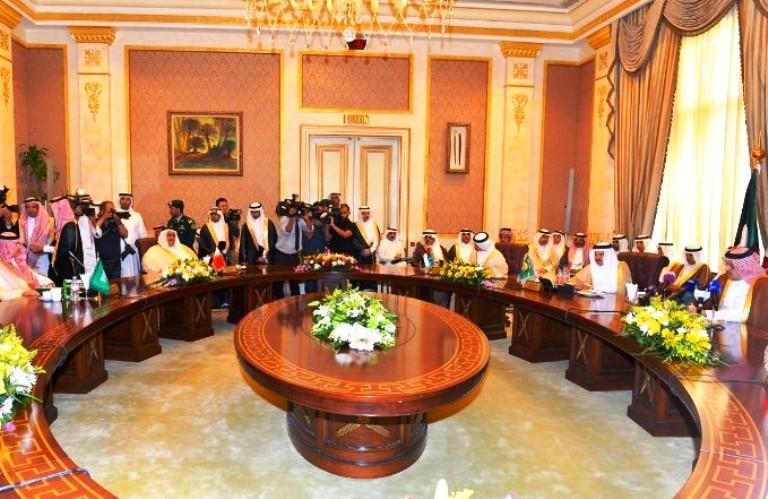 الوزاري الخليجي يدعم مفاوضات يمنية في الرياض