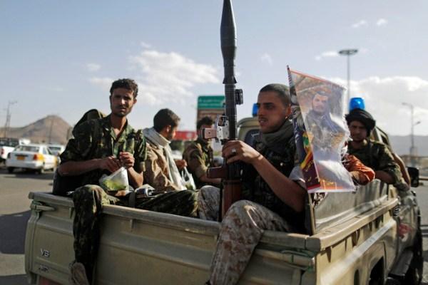 عناصر من ميليشيا الحوثيين