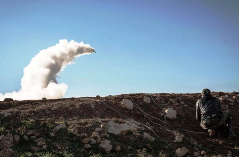 إسرائيل تتوعّد النظام السوري بعد سقوط صواريخ