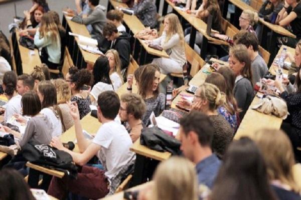 الطلاب الأجانب يرون أن فرنسا الأسوأ تعليماً في أوروبا