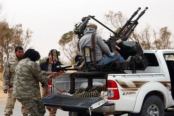 عناصر من داعش في ليبيا