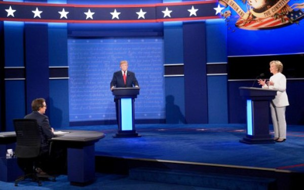 آخر مناظرة بين ترامب وكلينتون قبل التصويت الكبير